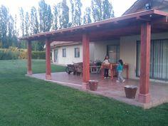 PERGOLAS Y QUINCHOS Outdoor Kitchen Design, Patio Design, Blessed Mother, Backyard Patio, Bbq, New Homes, Cases, Outdoor Decor, Home Decor