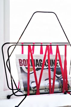 Poppytalk - The beautiful, the decayed and the handmade: DIY Newspaper Stand, Newspaper Basket, Magazine Holders, Magazine Racks, Shops, Industrial House, Room Accessories, Upcycled Vintage, Diy Storage