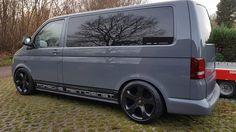 Grey van with black rims Vw T5 Campervan, Kombi Camper, Car Volkswagen, Volkswagen Bus, Caddy Van, Grey Vans, Van Car, Van Design, Transporter