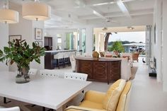 Phil Kean Designs, Inc. - tropical - family room - other metro - amythrasher
