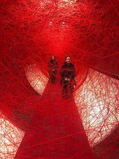 Chiharu Shiota, lifelines, 2019 for 100 jahre revolution berlin Modern Art, Contemporary Art, Berlin, Instalation Art, Look Dark, Artistic Installation, Comme Des Garcons, Red Aesthetic, Art Plastique