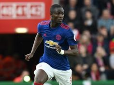 Eric Bailly trains with Manchester United ahead of Tottenham Hotspur game