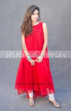 Stylish Valentine's Day 2013 album for Girls of Stitched Stories. females just have a look at this Valentine's day – Party Dresses & Casual Dresses collection by Stitched Stories. Simple Pakistani Dresses, Pakistani Outfits, Indian Dresses, Casual Formal Dresses, Stylish Dresses, Simple Dresses, Pakistan Fashion, India Fashion, Girl Fashion