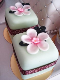 """Oriental minicakes"" by Cake over heels, Singapore #cake #gateau #minicake- Carefully selected by GORGONIA www.gorgonia.it"