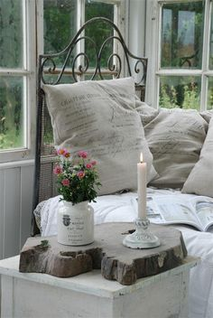 decor, pillow, cottag, shabbi chic, reading spot, wood slices, porch, shabby chic bedrooms, linen