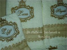 Jogo de Toalhas de banho/ casal personalizadas com monograma.