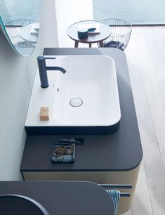 Happy Plus series by Duravit gives you a two-tone contrast finishing. The above-counter washbasin has a glossy white. Bad Inspiration, Bathroom Inspiration, Bathroom Furniture Design, Toilette Design, Next Bathroom, Happy D, Restroom Design, Counter Design, Kitchen And Bath Design