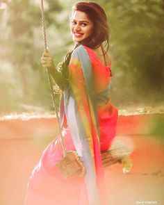 Improve How You Look With These Great Fashion Tips Beautiful Girl In India, Beautiful Girl Photo, Most Beautiful Indian Actress, Beautiful Eyes, Cute Girl Photo, Girl Photo Poses, Girl Poses, Swing Photography, Kerala Wedding Photography