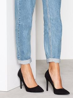 Stretchy low rise push up jeans made of ecologically grown cotton