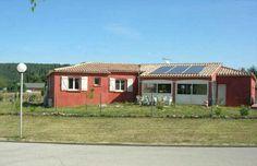 RC5284034 - 20 MNS NORD CARCASSONNE. Sur 700 m² de terrain, vaste villa 130 m², grand séjour 54 m² avec cuisine US aménagée, 4 chambres dont suite parentale avec salle d'eau, salle de bains, climatisation réversible, panneaux solaire... EXCELLENT ETAT