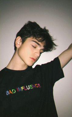 Just get boored Beautiful Boys, Pretty Boys, Bad Boy Aesthetic, Cute Boys Images, Cute White Boys, Grunge Boy, Photography Poses For Men, Tumblr Boys, Cute Korean Boys