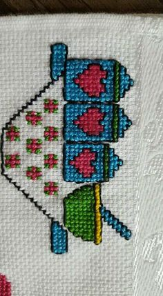 This Pin was discovered by Mus Simple Cross Stitch, Cross Stitch Charts, Cross Stitch Patterns, Wool Embroidery, Cross Stitch Embroidery, Needle And Thread, Plastic Canvas, Knit Crochet, Diy And Crafts
