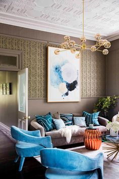 interior designer's maximalist home with brass, velvet and wallpaper. Colour, pattern and luxurious elements feature heavily throughout, giving the living room an eclectic feel. Living Room Ideas 2020, Living Room Inspiration, Living Room Modern, Living Room Designs, Living Rooms, Maximalist Interior, Melbourne House, Australian Homes, Apartment Living