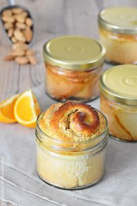 Hefeteigschnecken im Glas mit Orangen-Mandelfüllung als perfektes Geschenk zum Mitbringen oder als Hingucker auf der Kuchentafel