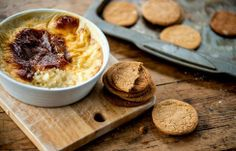 Rice pudding with ginger snap dunkers / Josh Eggleton Vegetarian Meals For Kids, Kids Meals, Vegetarian Recipes, Sweet Recipes, New Recipes, Cooking Recipes, Irish Recipes, Köstliche Desserts, Delicious Desserts