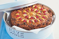 Old fashioned Christmas cake. This fruity cake will be the star attraction at any festive feast! Real Food Recipes, Sweet Recipes, Cake Recipes, Dessert Recipes, Cooking Recipes, Desserts, Primal Recipes, Recipes Dinner, Appetizer Recipes