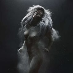 Kinetic Nude Photography - Olivier Valsecchi's Nude Photography Deftly Captures Motion (GALLERY)