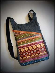 Blog catálogo de los bolsos, mochilas y riñoneras de la marca k1000 Mochila Tutorial, Craft Bags, Bag Patterns To Sew, Denim Bag, Designer Backpacks, Backpack Bags, Leather Purses, Purses And Bags, Crossbody Bag