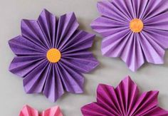 Items similar to Paper Flower Backdrop - Candy Bar - Wedding Arch - Birthday Party - Large Paper Flowers - Flower Backdrop - backdrop flowers) on Etsy Paper Flower Art, Tissue Paper Flowers, Paper Flower Tutorial, Flower Crafts, Diy Flowers, Fabric Flowers, Diy Paper, Paper Crafts, Mad Hatter Tea