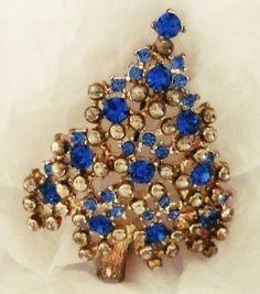 Vintage-SIGNED-Eisenberg-Blue Saphire-Rhinestones-SilverTone-Brooch-Christmas Tree.