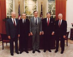 Former US Presidents in 1991, from left: Gerald Ford, Richard Nixon, George HW Bush, Ronald Reagen and Jimmy Carter. Source: http://okok1111111111.blogspot.ca/2013/01/former-us-president.html