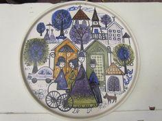 Väggrelief, Kupittaan Savi, Finland, diameter: 25 Deco, Finland, Silhouettes, Scandinavian, Porcelain, Mid Century, Pottery, Embroidery, Fabric