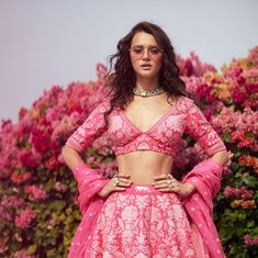 Finding the first copy, Sabyasachi lehenga replica is not an easy task. With the designer so much in demand, you should know about these key elements about a Sabya lehenga while look for a copy. Muslim Wedding Dresses, Indian Wedding Outfits, Bridal Outfits, Indian Outfits, Indian Clothes, Pakistani Clothing, Muslim Brides, Wedding Hijab, Bridal Dresses