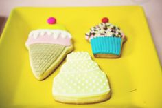 Festa infantil tema Confeitaria | Macetes de Mãe Cookies, Desserts, Food, Marsha And The Bear, Sweet Like Candy, 1 Year, Crack Crackers, Kids Part, Fiestas