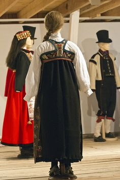 Detail from old Norwegian national costumes. The collection of Rikard Berge and from the exhibition at Seljord of old costumes from Telemark county, Norway Folk Costume, Costumes, Folk Clothing, Bridal Crown, Folklore, Norway, High Neck Dress, Culture, Clothes