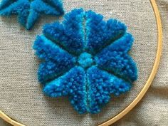 Have you ever heard of plushwork embroidery? It is also called chenille work or Amish stumpwork. Wool Embroidery, Embroidery Stitches, Fun Crafts, Diy And Crafts, Wool Thread, Yarn Bombing, Embroidery Techniques, Rug Hooking, Couture