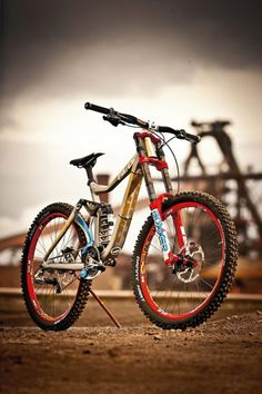 Pro bike: Danny Hart's Giant Factory Off-Road Team Giant Glory . Push Bikes, Bmx Bikes, Cycling Bikes, Cool Bikes, Downhill Bike, Mtb Bike, Best Mountain Bikes, Mountain Biking, Fully Bike