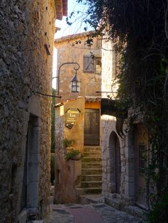 Eze Street - Don't you just feel life slowing down when you look at this?