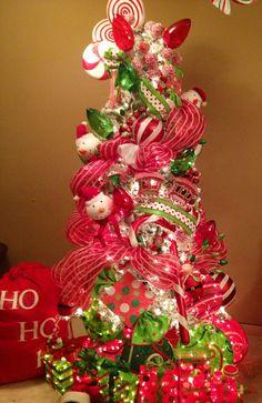 Primer árbol de la Gran Venta Navideña para este año