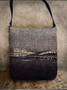 Felt crossbody bag with leather straps, made of natural materials, Shoulder bag Embroidery Purse, Felt Pillow, Felted Wool Crafts, Needle Felting Tutorials, Felt Purse, Felted Slippers, Felt Fabric, Casual Bags, Wool Felt