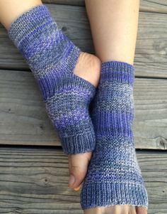 Hand Knit Yoga Socks Lavender Topaz by IrresistibleEssence on Etsy Knitting Socks, Baby Knitting, Crochet Baby, Knit Crochet, Knit Leg Warmers, Hand Warmers, Knitting Projects, Knitting Patterns, Socks
