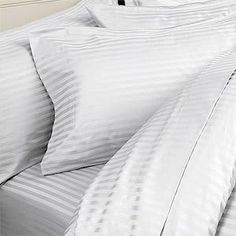 ITALIAN 1200 Thread Count Egyptian Cotton Duvet Cover Set , Full/Queen, White St, Made in ITALY by Egyptian Cotton Factory Store, http://www.amazon.com/dp/B003TU83ZW/ref=cm_sw_r_pi_dp_i1Gkrb0ACMYEW