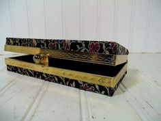 Retro Brocade Hinged Evening Bag Clutch - Vintage Black Floral Fabric & Gold Thread Jewelry Case - Metal Ball Snap Box with Original Mirror $19.00
