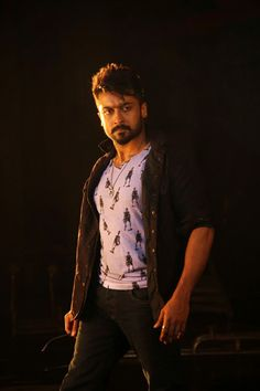Anjaan Movie FirstLook Images Photos Gallery In HD - Actor Surya Masss Movie First look Trailers Teaser Songs Posters Stills Film Images, Actors Images, Actor Picture, Actor Photo, Mens Casual Wedding Attire, Selfies, Surya Actor, Ombre Look, Allu Arjun Images