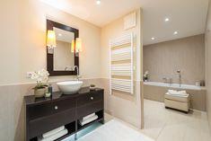 Einzigartiges Penthouse mit atemberaubendem See- und Bergblick, Seezugang sowie Hotelanbindung am Wörthersee Double Vanity, Modern, Mirror, Bathroom, Furniture, Home Decor, Objects, Luxury, Washroom
