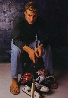 Eric Lindros Casual Clothes, Casual Outfits, Eric Lindros, Who Plays It, Philadelphia Flyers, Detroit Red Wings, Sports Teams, Hockey Players, Bullies