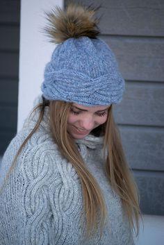 Ravelry: Frosty Waves Lue pattern by Hilde Sørum Wave Design, Knit Mittens, Stockinette, Needles Sizes, Snug, Winter Hats, Waves, Wool, Knitting