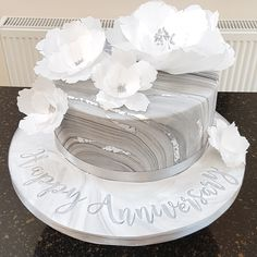 Marbled silver wedding cake with waffle flowers and silver leaf . Marbled silver wedding day cake with wafer paper flowers and silver leaf. 25th Wedding Anniversary Cakes, Anniversary Cake Designs, Anniversary Decorations, Silver Anniversary, Anniversary Quotes, Paper Flowers Wedding, Cake Flowers, Wafer Paper, 25th Birthday