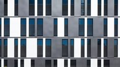 Project: Office building on Park (Aachen) Office Building Architecture, Building Facade, Facade Architecture, Residential Architecture, Contemporary Architecture, Mall Facade, Facade House, Concept Draw, Social Housing