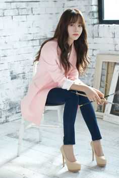 Nice 17 Pretty Korean Fashion Style Ideas That Women Should Try As if it is endless when talking about fashion especially for women. Cute clothes, of course, will make you look more beautiful. For you fans of Korea. Korean Beauty, Asian Beauty, Asian Woman, Asian Girl, Kim So Hyun Fashion, Hyun Kim, Kim Sohyun, Korean Celebrities, Korean Actresses
