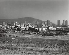 David Goldblatt 'The destruction of District Six under the Group Areas Act. 5 May 1982 © David Goldblatt Seattle Skyline, New York Skyline, David Goldblatt, Photo Report, African History, Destruction, Cape Town, Old Houses, Old Photos