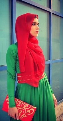 Red n green. fantastic ! Gorgeous hijabi style Muslim women / Ladies fashion styles