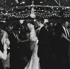 Repertuar na pierwszy taniec Valuable advice on the first dance at the wedding from PUZZLE COVER BAND Wedding Goals, Wedding Pictures, Our Wedding, Wedding Planning, Dream Wedding, Candid Wedding Photos, Wedding Shoes, Wedding Happy, Wedding Couples