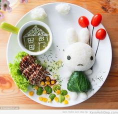 These amazingly creative and colorful food decoration ideas turn healthy food for kids into food art that tells a story and fascinates children, encouraging them eat vegetables Cute Food, Good Food, Yummy Food, Bento Recipes, Baby Food Recipes, Food Art For Kids, Creative Food Art, Food Decoration, Happy Foods