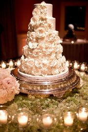 This cake but make the flowers a mixture of white, gold, coral, and peach. Ahhh love it