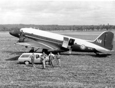 Forced landing in a paddock in Queensland. Note the feathered prop. Dakota N2-43. Taken out of RAN service on 12/01/70 it had been flown 3,181.30 hours.